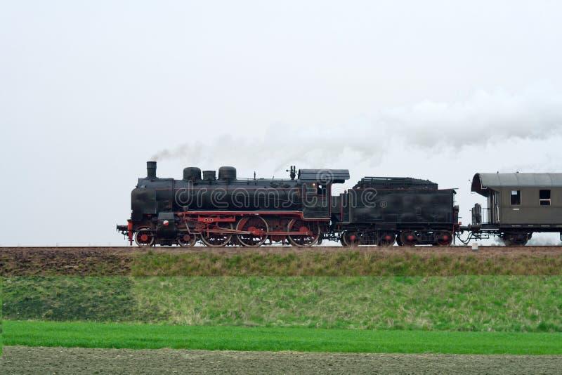 Tren Retro Viejo Del Vapor Foto de archivo libre de regalías