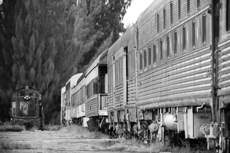 Download Tren viejo foto de archivo. Imagen de tono, blanco, locomotora - 7285034
