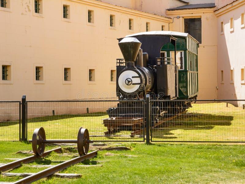 Tren viejo del originl en el museo de Ushuaia foto de archivo