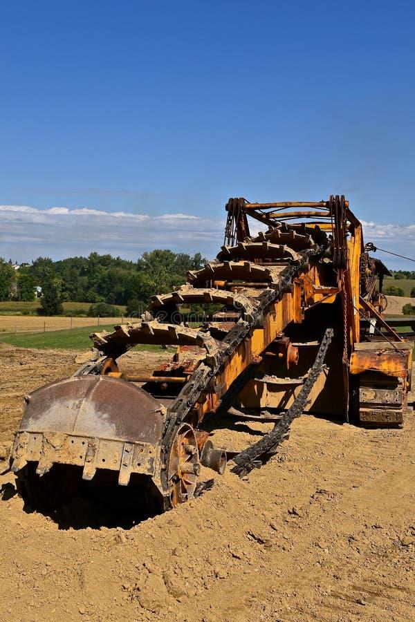 Trencher antigo para escavar, foto de stock