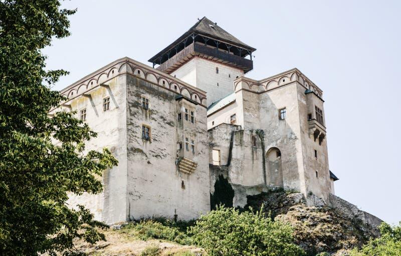 Trencin slott, Slovakien, loppdestination fotografering för bildbyråer