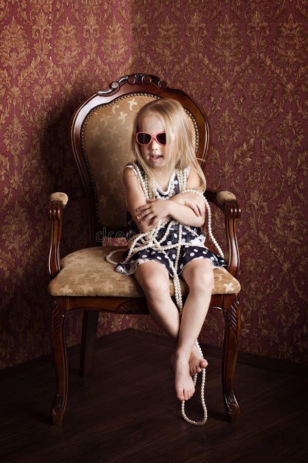Trendig liten flicka arkivbild