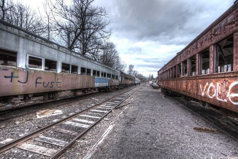 Trenes abandonados imagenes de archivo