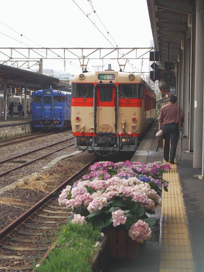 Trenes del ferrocarril de Kyushu en Japón foto de archivo