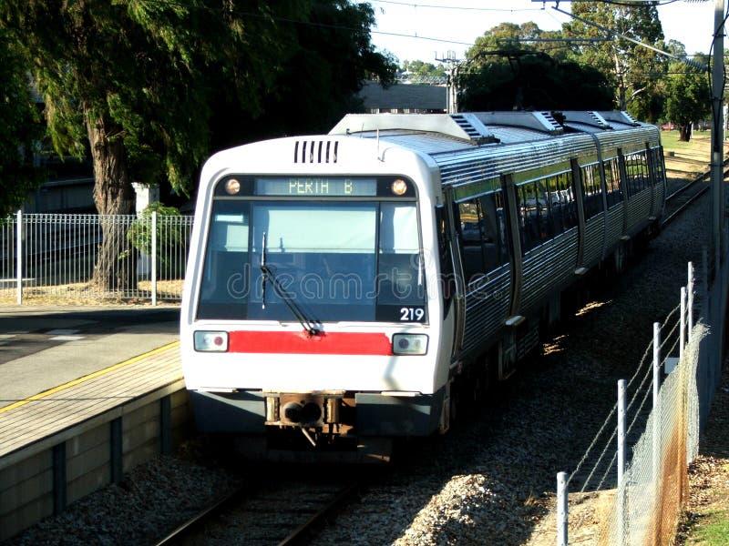 Download Treni fotografia stock. Immagine di addio, percorso, arrivo - 205330