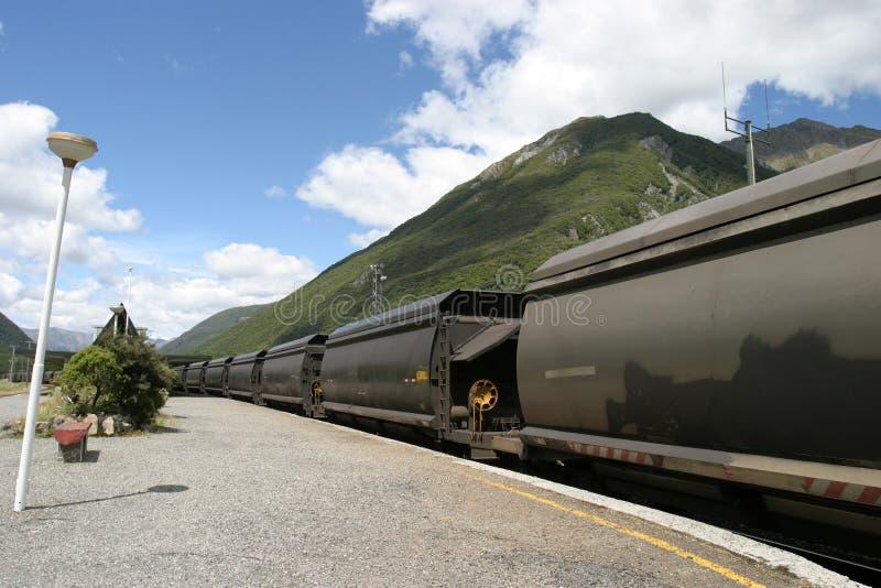 Treno del carbone in Nuova Zelanda fotografia stock libera da diritti