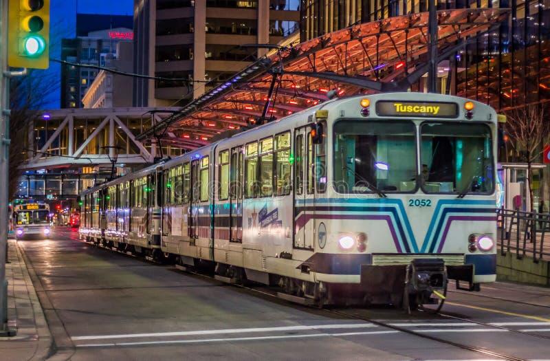 Treno della città a Calgary del centro fotografia stock