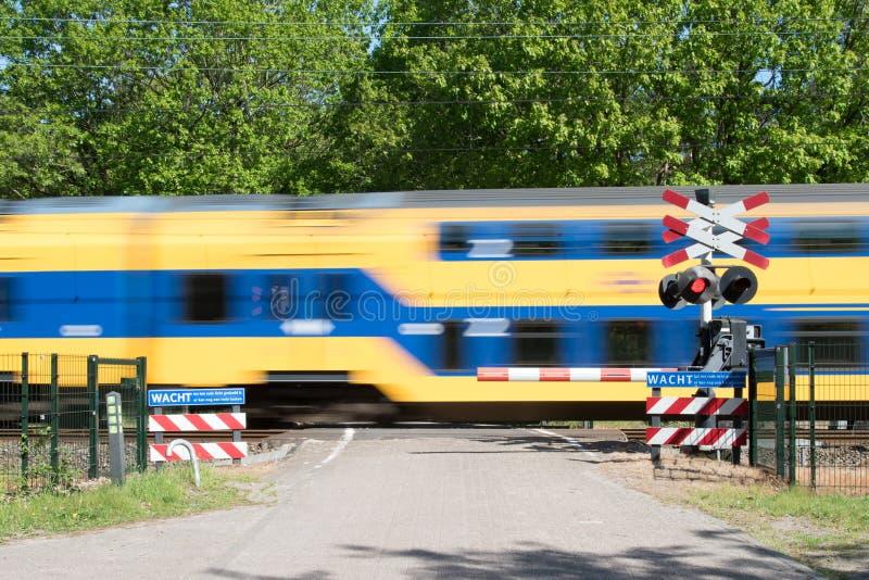 Treno di passaggio veloce immagini stock libere da diritti