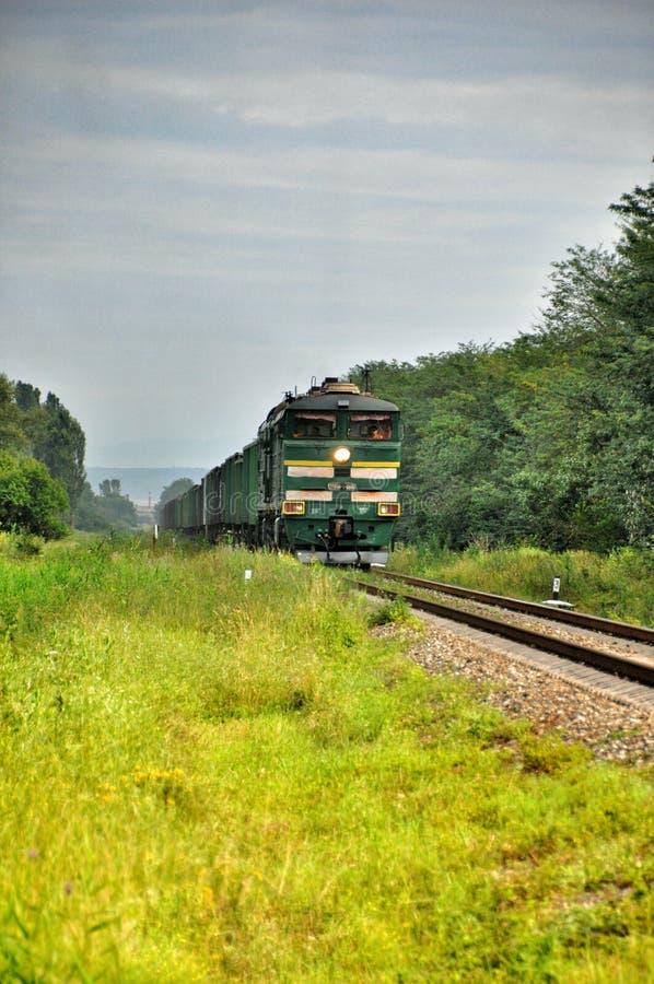 Download Treno Merci Locomotivo Moderno Verde Fotografia Stock - Immagine di front, frontale: 56878576