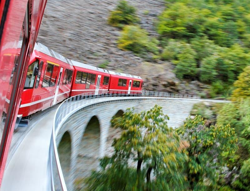 Treno rosso. fotografia stock