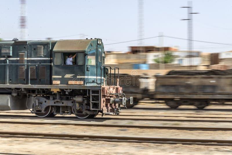 Download Treno Tunisia fotografia stock editoriale. Immagine di sahara - 55362158