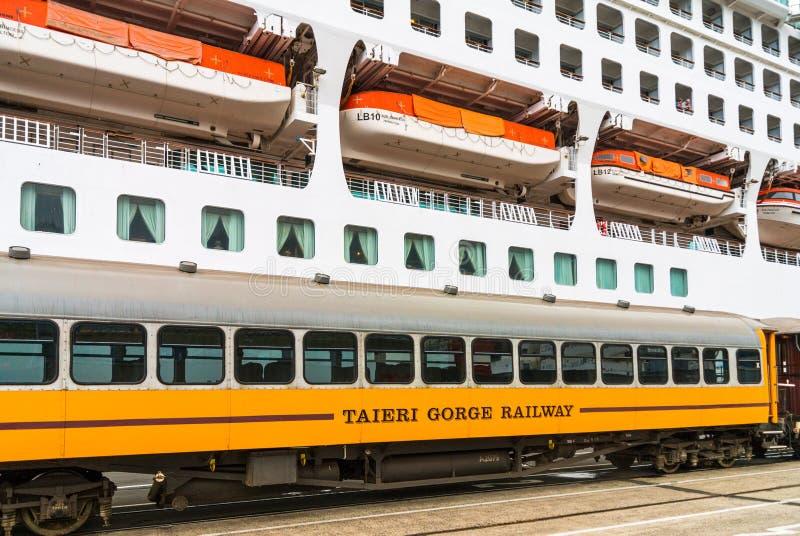 Treno turistico della gola di Taieri, Nuova Zelanda immagini stock