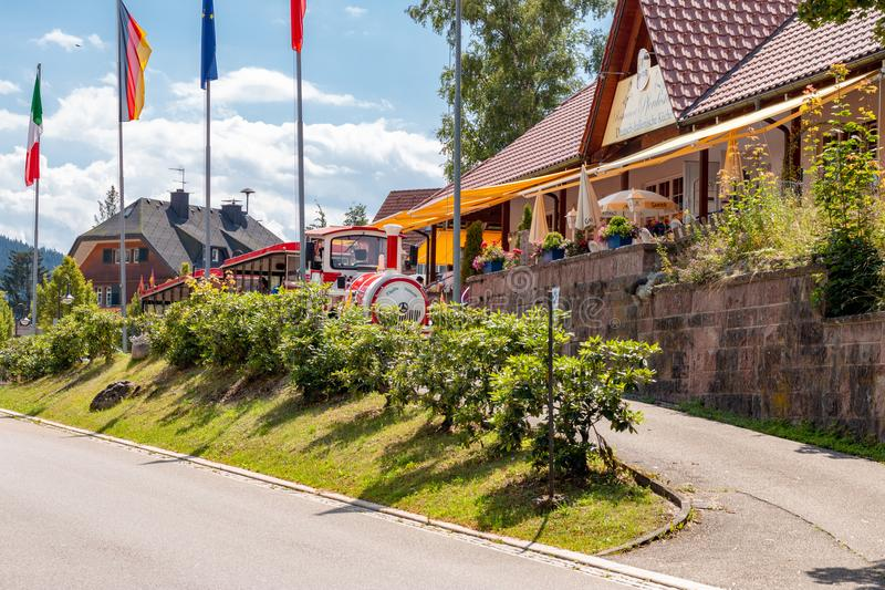 Treno turistico in Titisee-Neustadt fotografia stock