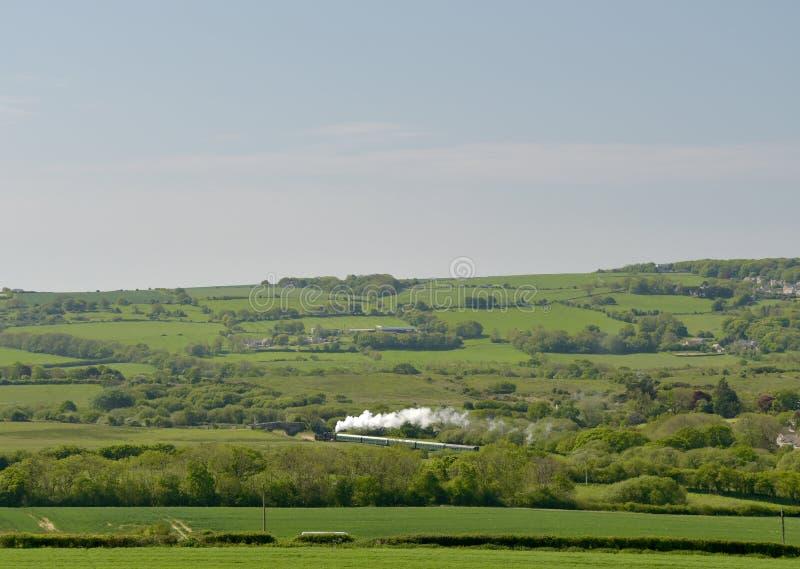 Treno a vapore nella campagna di Dorset fotografia stock libera da diritti
