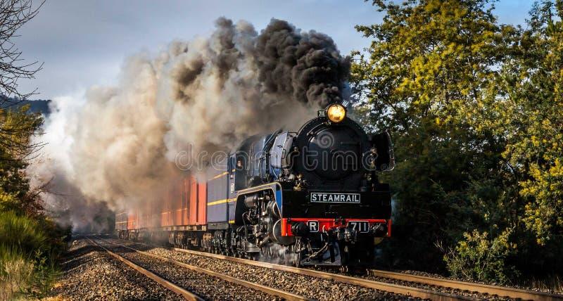Treno a vapore, Woodend, Victoria, Australia, agosto 2017 immagine stock