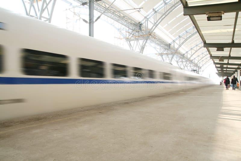 Treno veloce nel movimento