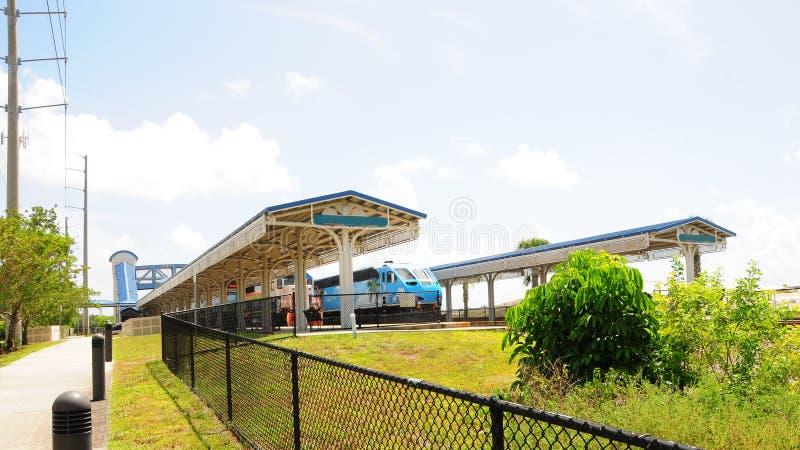 Trens de passageiros na estação, Florida fotografia de stock royalty free