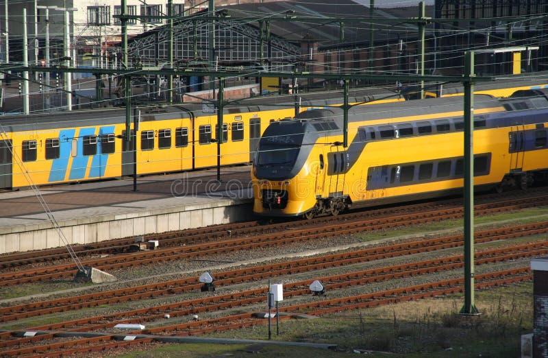 Trens na estação fotos de stock royalty free