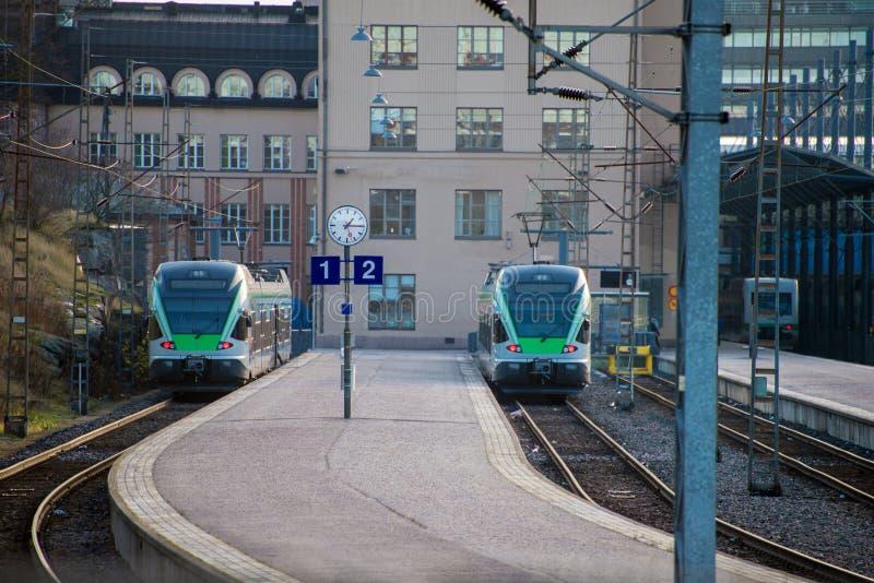 Trens na estação. fotos de stock