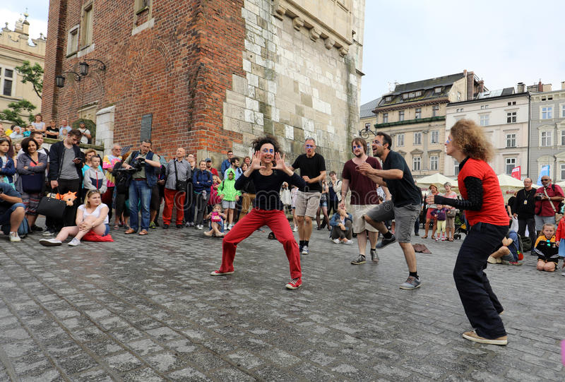 trentesima via - festival internazionale dei teatri della via a Cracovia, Polonia fotografia stock libera da diritti