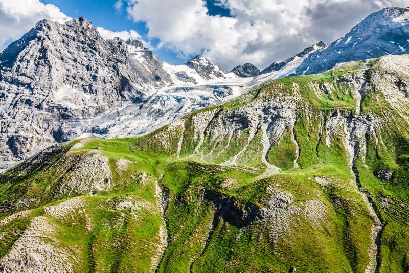 Trentino Alto Adige, italienska fjällängar - den Ortles glaciären arkivbilder