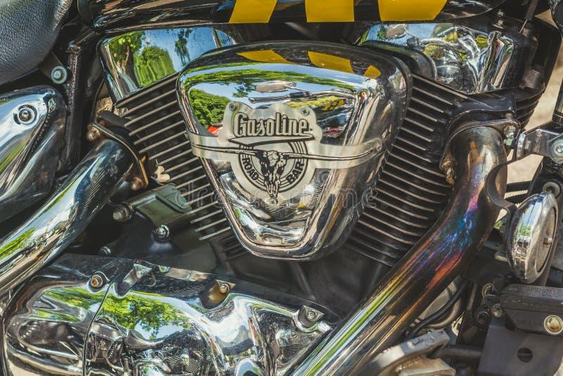 Trento, el 22 de julio de 2017: Muestre las motocicletas clásicas La motocicleta parte los detalles efecto del filtro del vintage foto de archivo