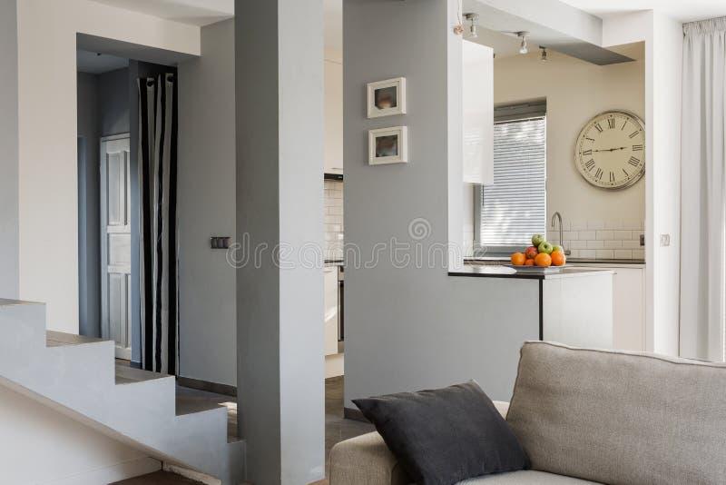 treppe im wohnzimmer stockbild bild von niemand horizontal 55580945. Black Bedroom Furniture Sets. Home Design Ideas