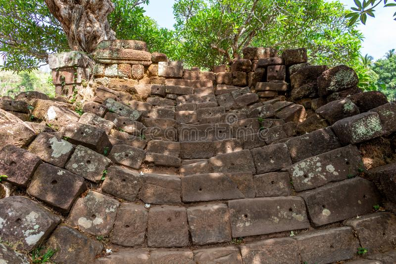 Treppe zu Bottich Phou-Tempel stockfotos