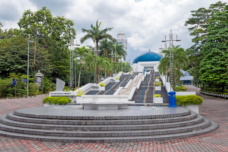 Treppe zum Planetarium in Kuala Lumpur, Malaysia lizenzfreies stockfoto