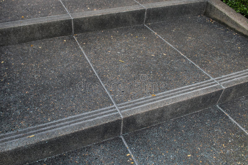 Treppen zum Garten stockfoto
