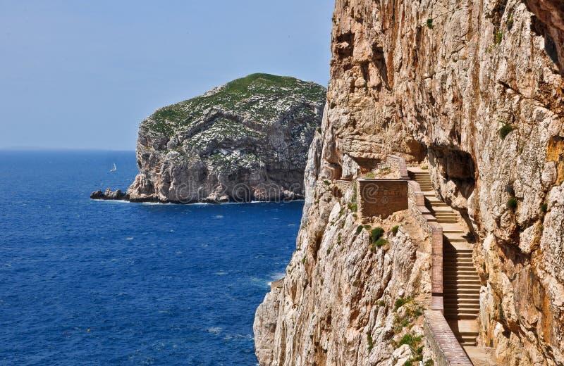 Treppenhäuser zur Stalaktithöhle von Neptun-Grotte stockfotos