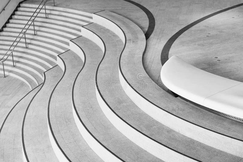 Treppenhaus der modernen Architektur Aufbauender abstrakter Hintergrund stockbild