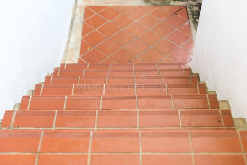 Treppenhaus des roten Ziegelsteines stockbilder