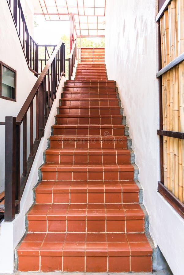 Treppenhaus des roten Ziegelsteines lizenzfreies stockbild