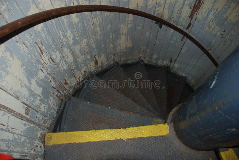 Treppenhaus innerhalb des Hafens des Schutz-Leuchtturmes, Lewes, Delaware lizenzfreies stockfoto