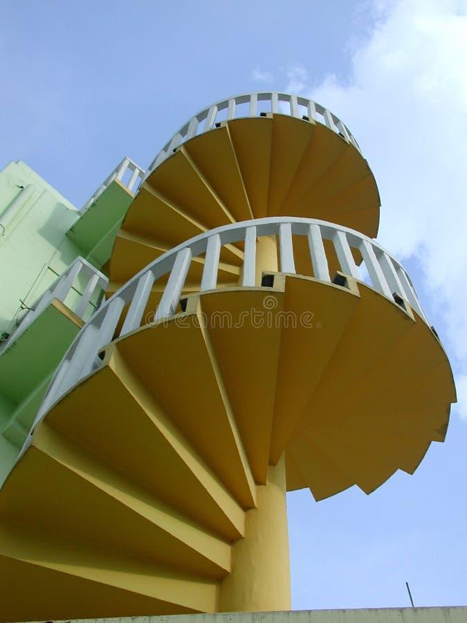 Download Treppenhaus zum Himmel stockbild. Bild von aufstieg, gelb - 36575