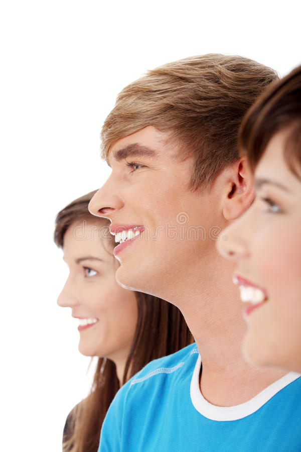 Tres amigos felices jovenes. foto de archivo libre de regalías
