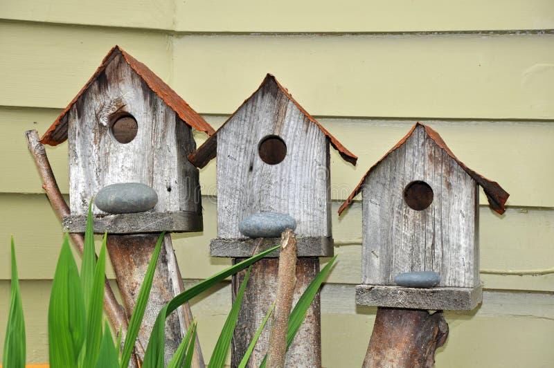 Tres birdhouses fotografía de archivo