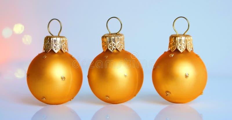 Tres bolas de la Navidad fotografía de archivo libre de regalías