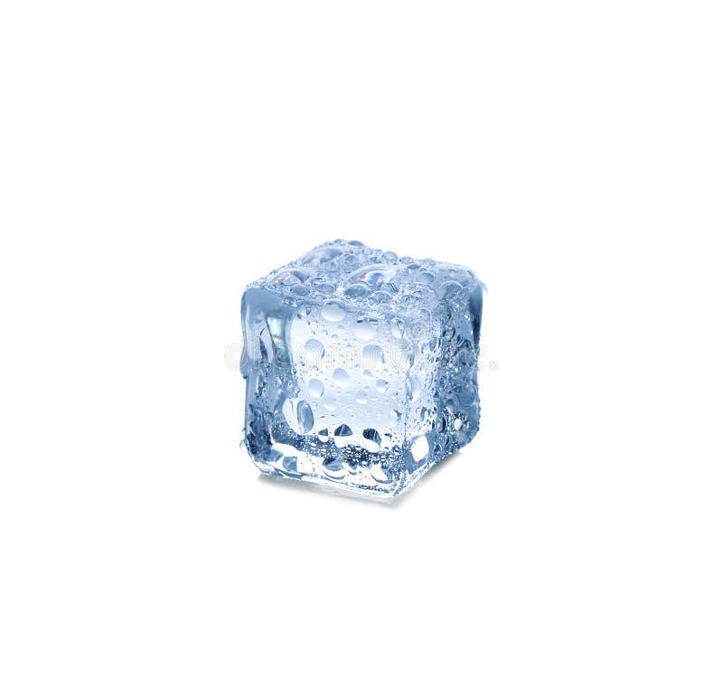 Tres cubos de hielo en el fondo blanco fotos de archivo libres de regalías