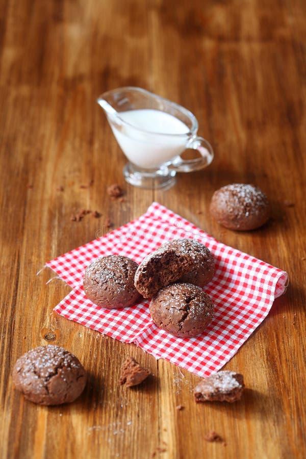 Tres galletas del chocolate fotografía de archivo