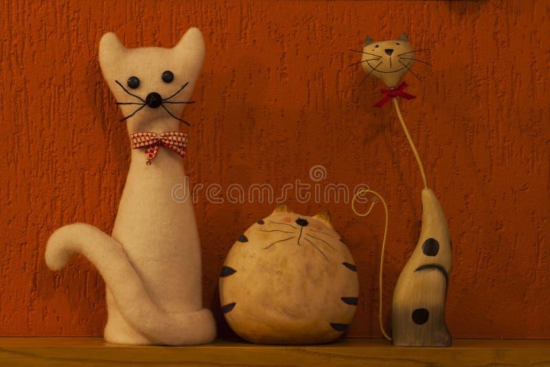 Tres gatos imagen de archivo