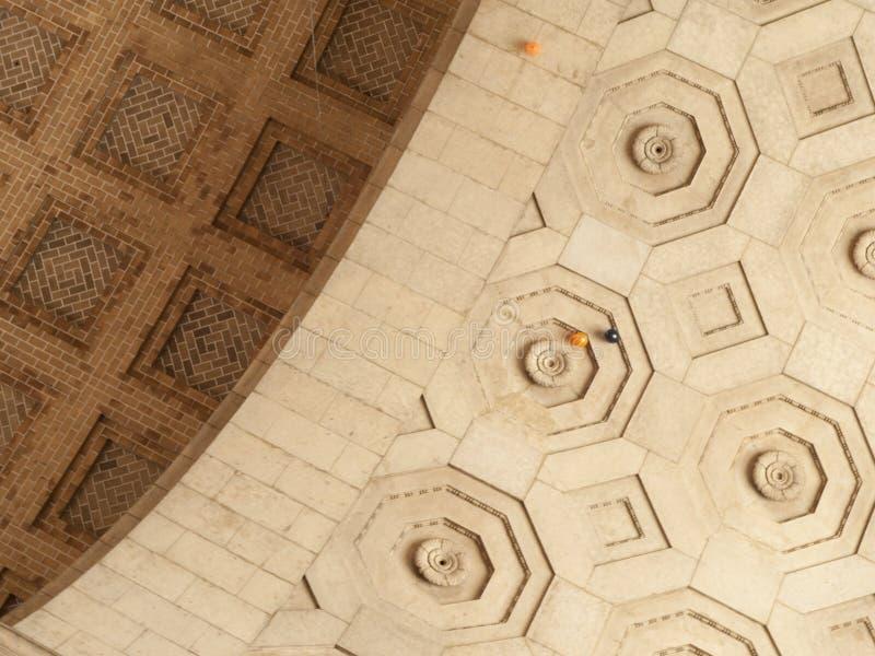 Tres globos en alto techo imágenes de archivo libres de regalías