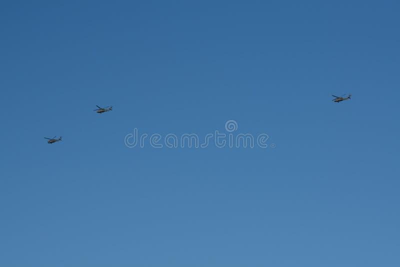 Tres helicópteros militares fotos de archivo