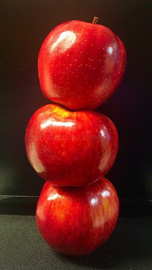 Tres manzanas altas imagen de archivo libre de regalías