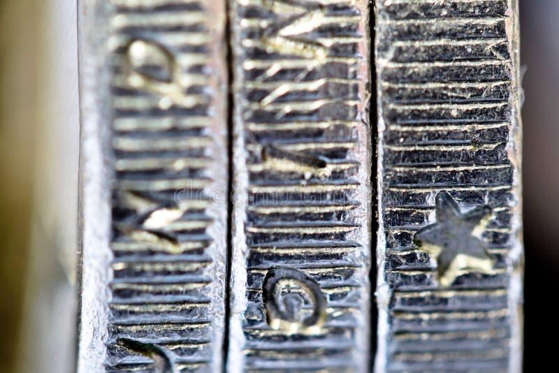 Tres monedas de un euro fotografía de archivo libre de regalías