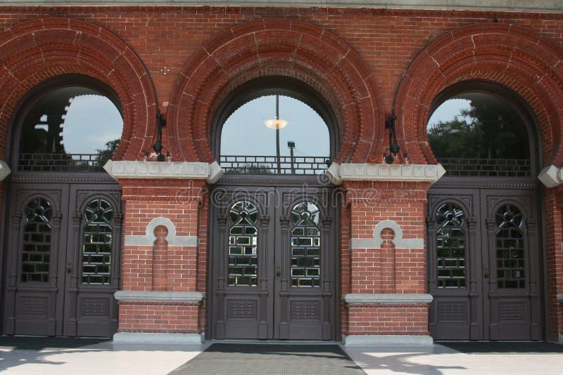 Tres puertas en la planta Pasillo fotografía de archivo