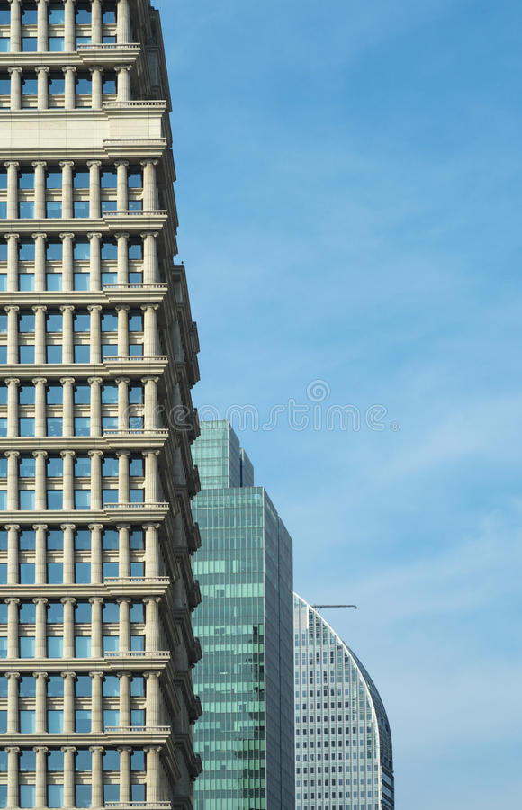 Tres torres comerciales modernas fotografía de archivo libre de regalías