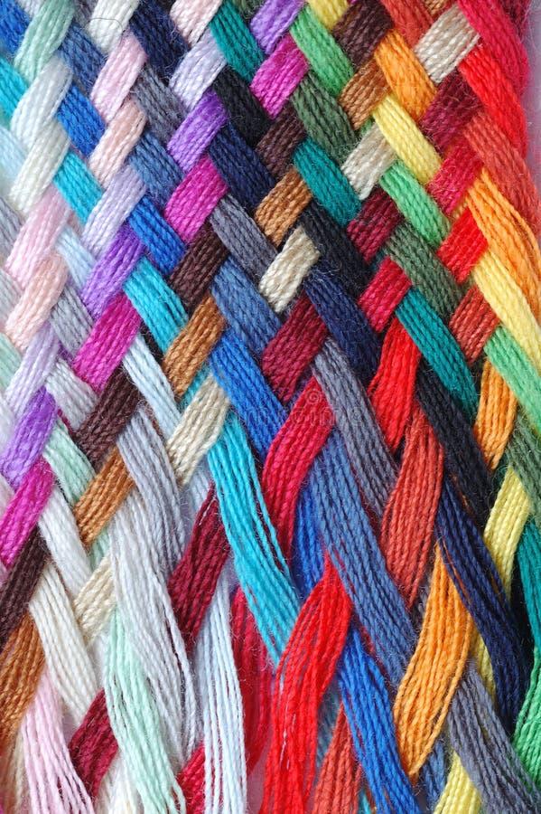 Tresse multicolore de laines images libres de droits