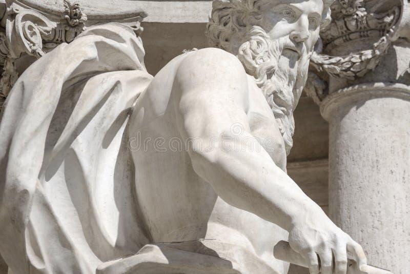 Trevi-springbrunn, detalj, staty av gudhavet italy rome arkivbild